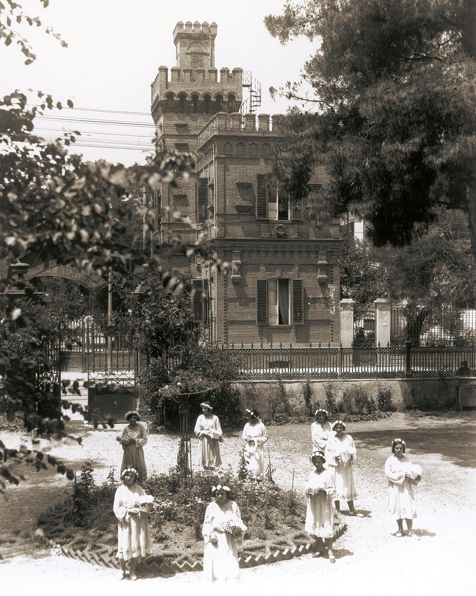 """Προβολή του ντοκιμαντέρ της Πολιτιστικής Εταιρείας """"Η ιστορία της συνοικίας των Εξοχών, Θεσσαλονίκη (1885 – 1912)"""""""